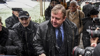 Каракачанов разговаря със секретаря на отбраната на НАТО