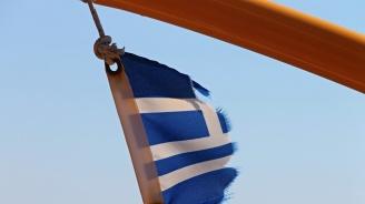 Силният вятър затруднява корабоплаването в Гърция