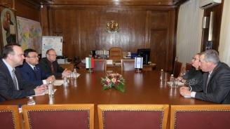 Министър Маринов проведе среща с Н.Пр. Ирит Лилиан, посланик на Израел в България