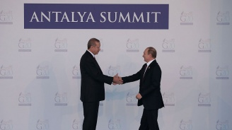 Русия и Турция си делят Сирия в Сочи. Иран чака