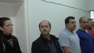Битият фелдшер в Нова Загора: Легнах на носилката, защото загубих равновесие и той ме удари 7-8 пъти