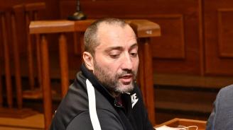 Викат спешна помощ в съда заради Митьо - Очите