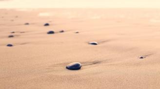Американски сайт продава пясък от Офицерския плаж във Варна