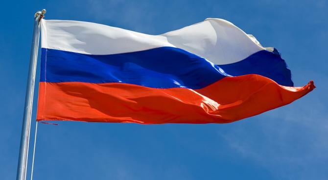 Руско знаме бе окачено на катедралата в британския град Солсбъри