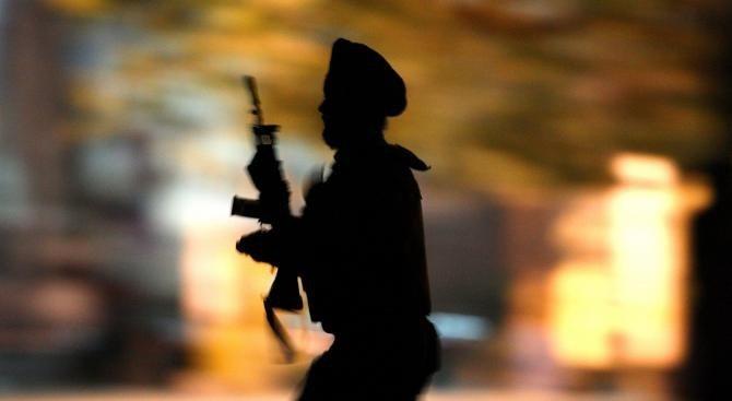 Четирима индийски военни са убити при престрелка в Кашмир