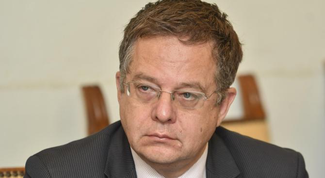 Дончо Барбалов ще провери готовността за възобновяване на дейността на Банката с майчина кърма