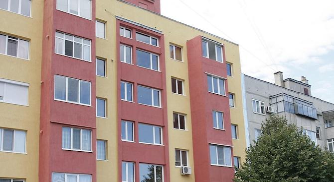 Приключи санирането на още един блок в Сливен