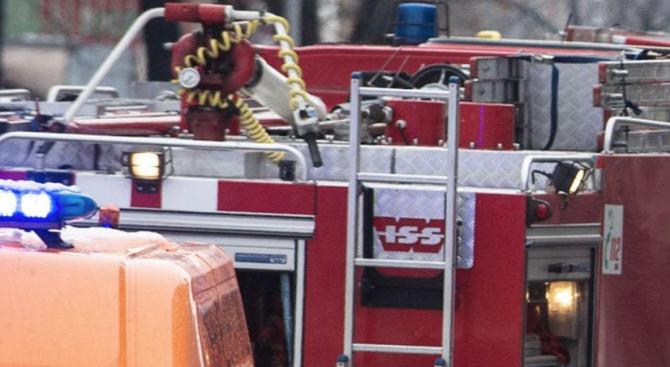 Пожар унищожи седем тона захар в сладкарски цех във Велико Търново