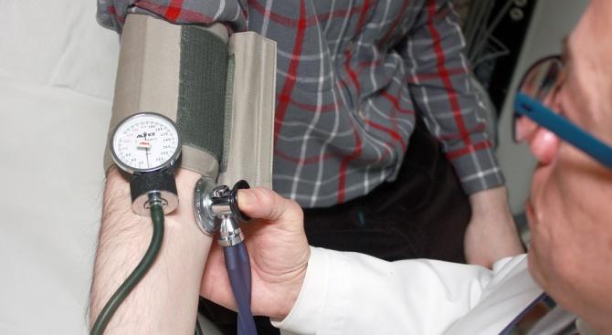 В Търговище е установен лекар, извършващ медицински прегледи в нарушение