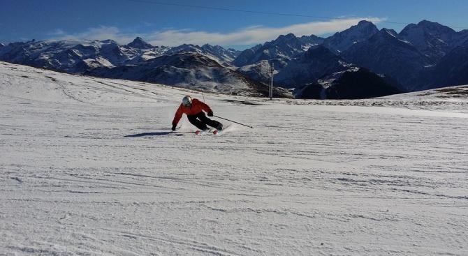 9-годишно дете е било блъснато от румънски скиор на писта