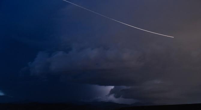 Метеорит най-вероятно е предизвикал силният шум в небето над остров