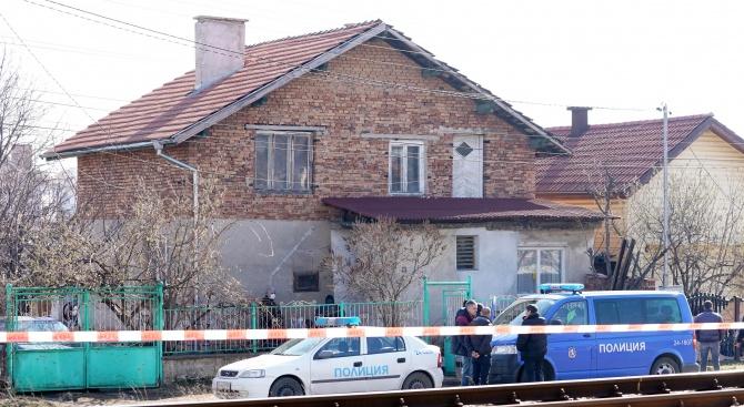 Нови разкрития за четворното убийство в Нови Искър. 25-годишният мъж
