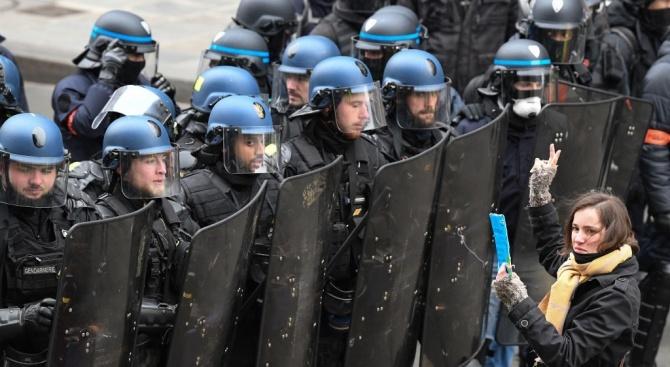 Шествие срещу антисемитизма в Париж