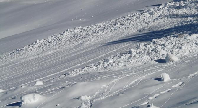 Снимка: Един човек е загинал от падналата лавина в швейцарския курорт Кран Монтана