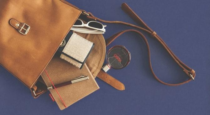 Снимка: Англичанка иска да си направи чанта от кожата на ампутирания си крак