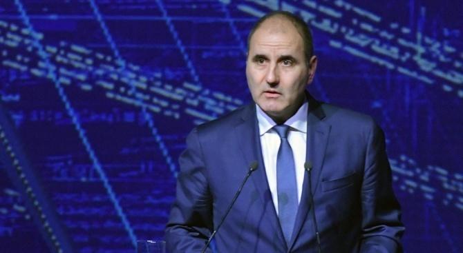 Не е нормално в процедура за българско гражданство да не