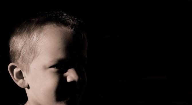 Съмнения за сексуално насилие над дете от приемно семейство в