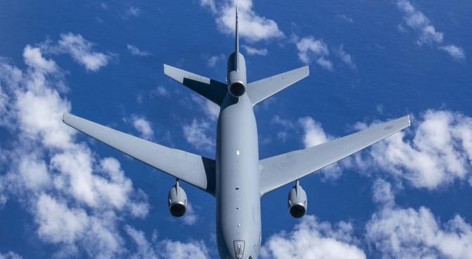 Пентагонът съобщи, че извършва наблюдателен полет над Русия, за да
