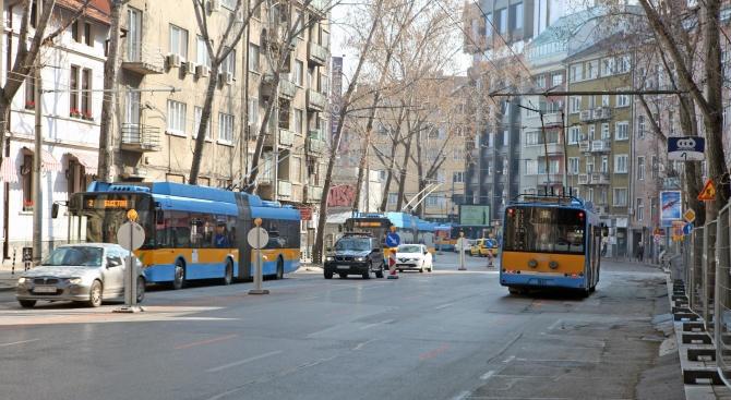 Работещите в четирите дружества на столичния градски транспорт ще получат