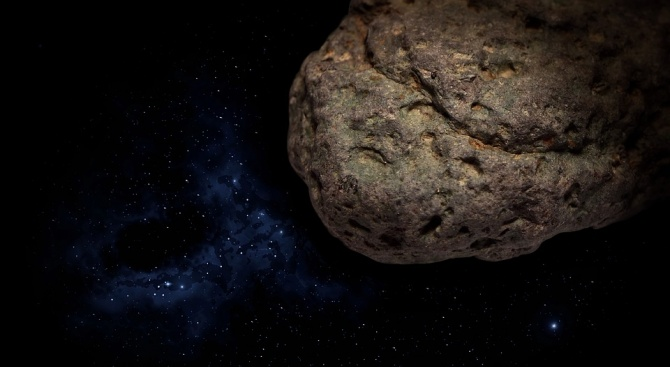 """Японската сонда """"Хаябуса 2"""" успешно кацна на астероида Рюгу с"""