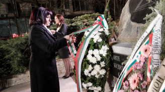 Караянчева и депутати ще участват във възпоменателната церемония в София по повод 146 години от гибелта на Васил Левски