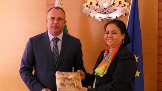 Порожанов се срещна с посланика на Мароко у нас г-жа Закия Ел Мидауи