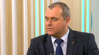 Искрен Веселинов: В циркаджийските номера на БСП липсва генерален мотив