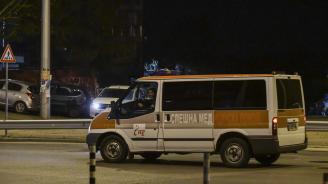 Кола и ученически автобус катастрофираха в Кюстендил