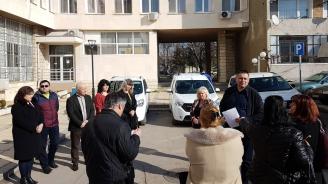 С три нови автомобила ще се обслужват потребителите на социални услуги в Разград