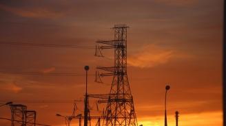 Пожар в кабелна шахта доведе до спиране тока на много места в София