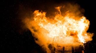 2 тона фураж са изгорели при пожар в плевня в село Търговище
