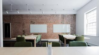 Училищата с кътове за отдих и стъклени врати