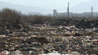 """Незаконно сметище край Самоков замърсява язовир """"Искър"""""""