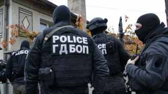 Спецакция в Стара Загора и София: Закопчаха кредитни измамници