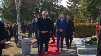 Зам.-министър Георгиев участва в церемония в Скопие в памет на президента Борис Трайковски