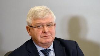 """Ананиев: Ще накажем виновните за разпространението на брошурата """"Любов без последствия"""" в училищата"""