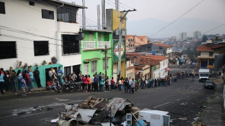 Чавистки паравоенни групи вилнеятпо границата между Колумбияи Венецуела
