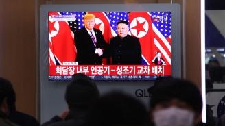 Срещата на четири очи между Доналд Тръмп и Ким Чен-ун продължи 10 минути