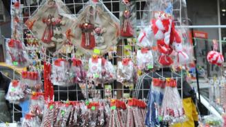 Китайски мартеници заливат пазара
