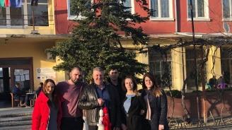 Представители на ГЕРБ – Пловдив област зарадваха жителите на общините с мартеници