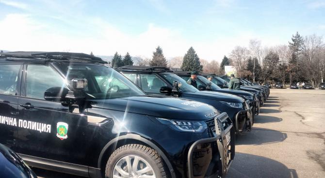 Гранична полиция се сдоби с нови високопроходими автомобили