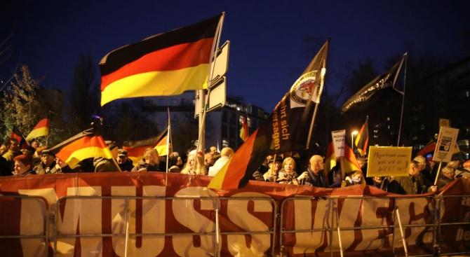 Стотици протестираха в западногермански град след убийството на млада жена от кандидат за убежище