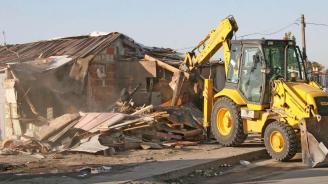 Ромите във Войводиново оспорват в съда събарянето на къщите си