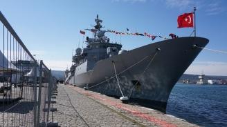 Турски бойни кораби акостираха във Варна