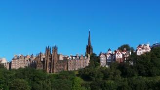 Евакуираха университета в Единбург заради подозрителен пакет