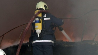 Пожар горя в медицински център във Варна