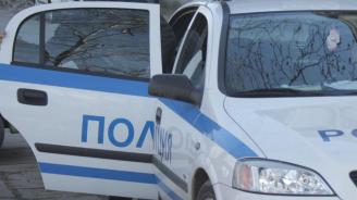 Заловиха председателя на БСП в Карабунар да краде павета