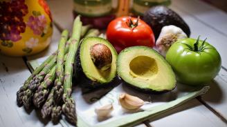 Експерти препоръчват спанак и авокадо срещу високо кръвно налягане