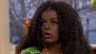 """Бяла манекенка """"смени расата си"""""""