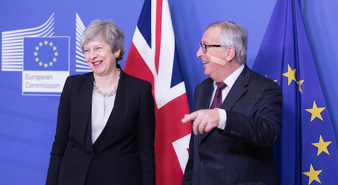 Юнкер и Тереза Мей постигнаха споразумение за Брекзит